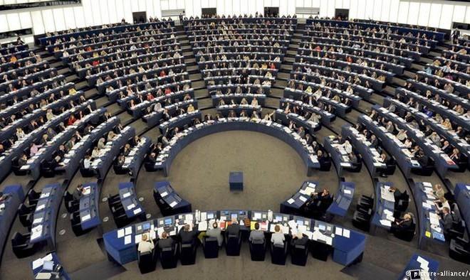 Τι λένε για την «Συμφωνία» 8 ευρωβουλευτές
