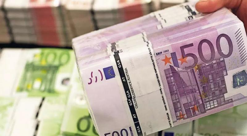 Εξαιρέθηκαν 820 εκατομμύρια ευρώ από το capital control