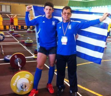 H AXA στηρίζει το νεαρό πολυ-πρωταθλητή Άρσης Βαρών, Παντελή Ριζούλη