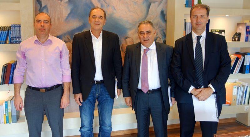 Συνάντηση αντιπροσωπείας του ΕΕΑ με τον Γ. Σταθάκη