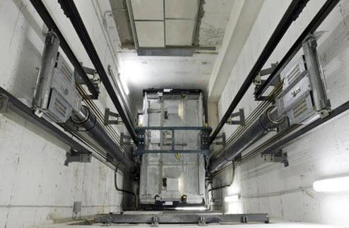 ΠΕΤΑΚ: Μακρά η λίστα θανατηφόρων ατυχημάτων σε ανελκυστήρες στην χώρα μας