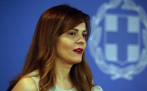 Ελαφρύνσεις σε μη μισθωτούς ανακοίνωσε η Ε. Αχτσιόγλου από το 2019
