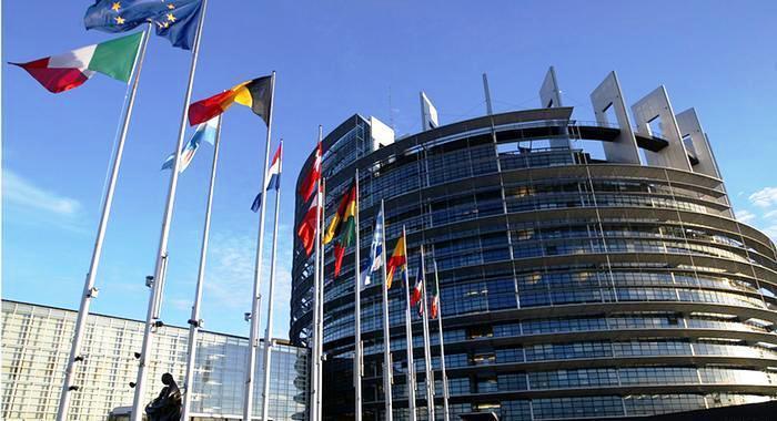 Στο στόχαστρο της Ε.Ε. τίθενται οι online πρακτικές, που δεν σέβονται τα δικαιώματα των καταναλωτών