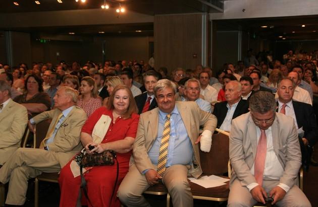 (Από δεξιά προς τα αριστερά) Ο κύριος  Κ.Μπερτσιάς, ο κύριος  Κ.Μαρκουλιδάκης, η κυρία Ε.Γρυπάρη και ο κύριος Ν.Μακρόπουλος.