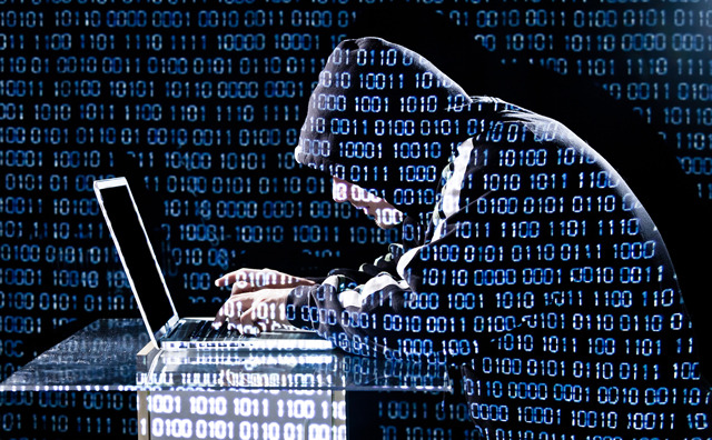 Χτυπούν οι χάκερ 1 στους 3 υπολογιστές