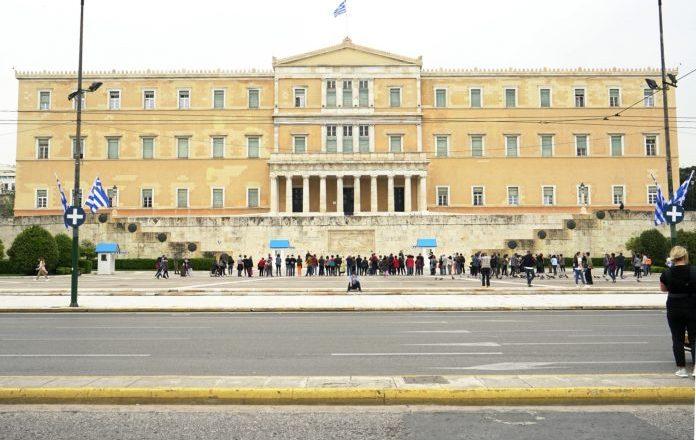 Μέτρα στήριξης: Στη Βουλή η αύξηση των πιστώσεων του τακτικού προϋπολογισμού για τη χρηματοδότησή τους