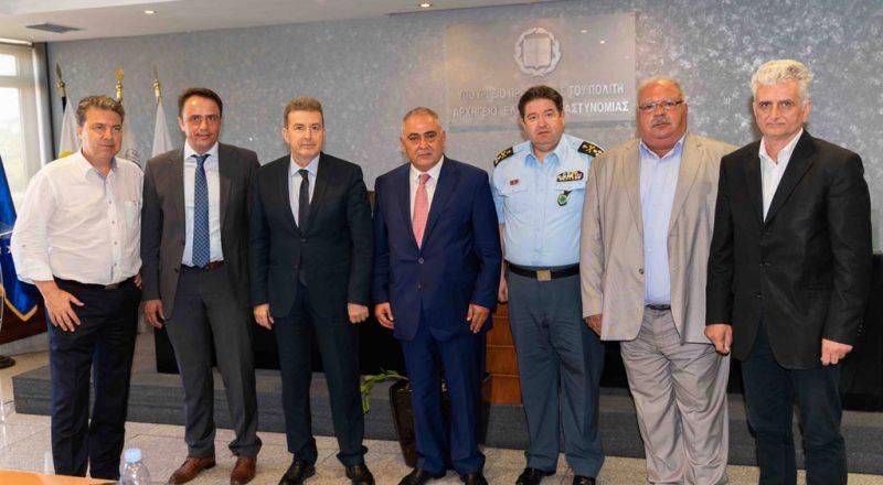 «Μ. Χρυσοχοΐδης: Άμεσα αποτελέσματα σε ασφάλεια και παρεμπόριο, σε συνεργασία με Ε.Ε.Α. και φορείς»