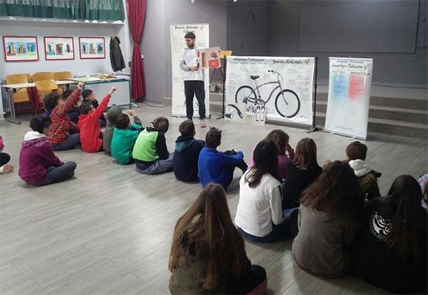 Μαθητές Δημοτικών εκπαιδεύονται για ασφαλή χρήση ποδηλάτου