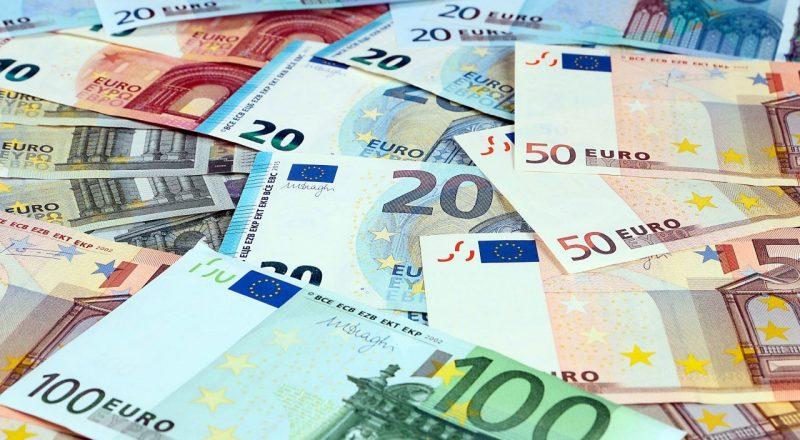 Ελάχιστο ποσό 1.000 ευρώ στην Επιστρεπτέα -Διευκολύνσεις για τις επιταγές και άλλα στο πακέτο στήριξης επιχειρήσεων