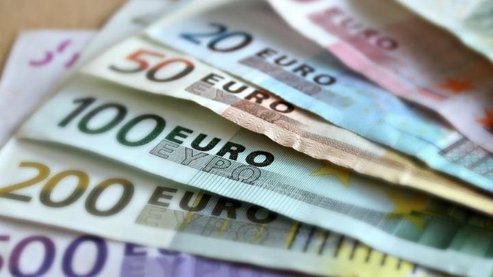 Γύρω στις 20 Δεκεμβρίου η πληρωμή του επιδόματος των 800 ευρώ για τις αναστολές