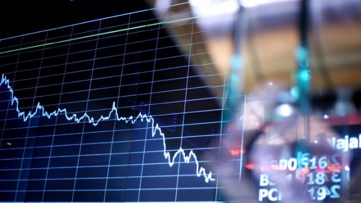 Σε κομβικό σημείο κρίσης η οικονομία