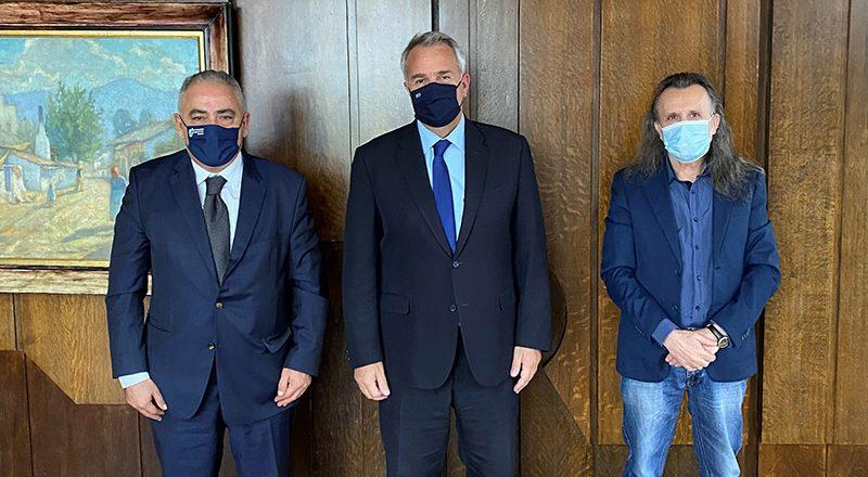 Δέσμευση του Υπουργού Εσωτερικών στο Ε.Ε.Α. για παράταση του χρόνου μισθώσεων δημόσιων και δημοτικών κοινόχρηστων χώρων, οι οποίες λήγουν