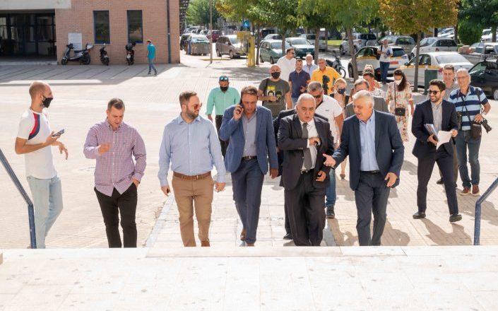 To E.E.A. στην πυρόπληκτη περιοχή των Αχαρνών ενισχύει τις επιχειρήσεις με 100.000 ευρώ